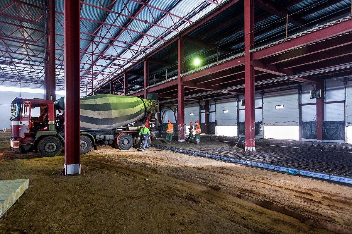 Металлоконструкции для заливки бетоном. Строительство склада.