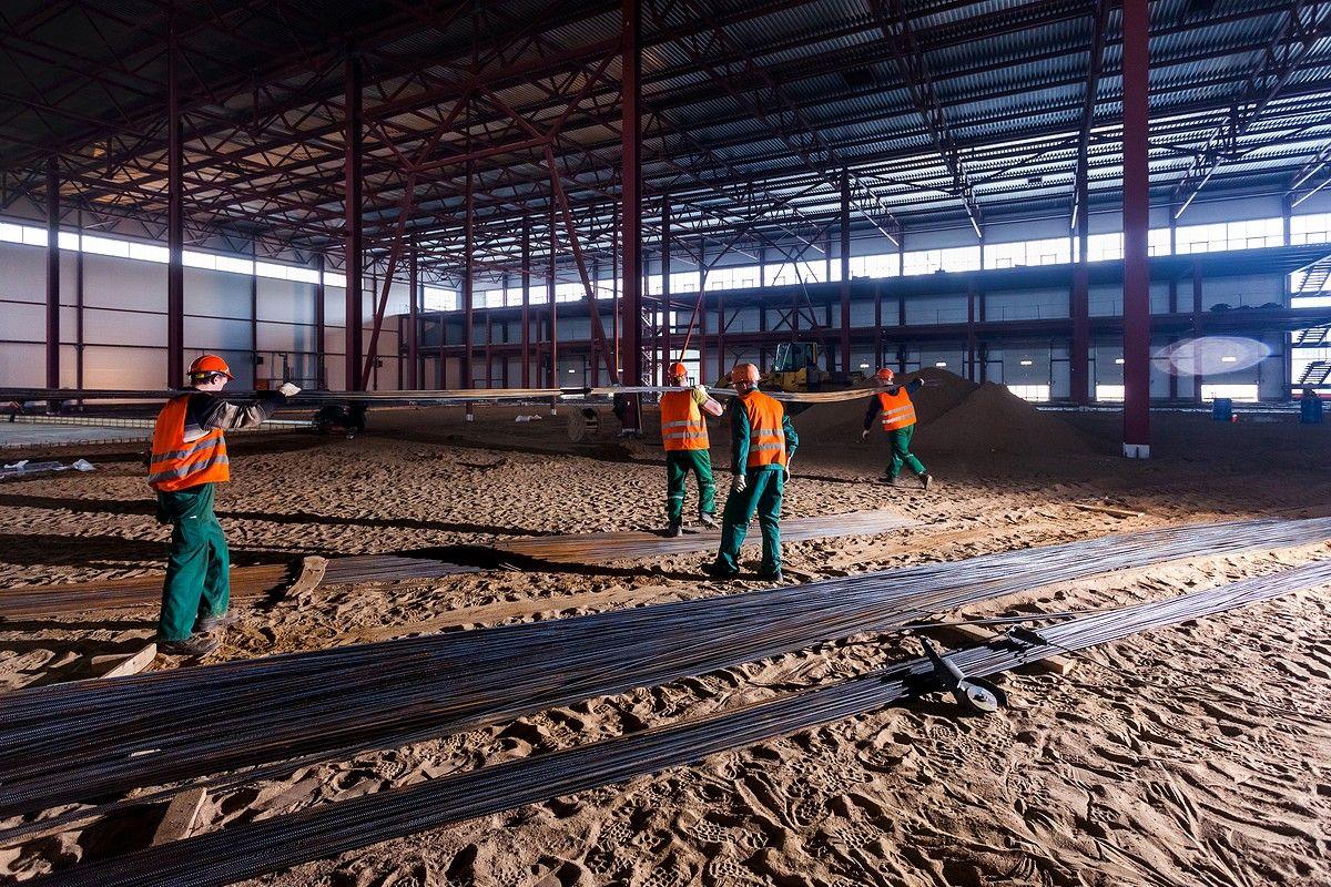 Строительное фото склада в СПб