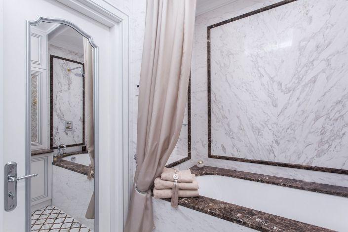 Интерьерное фото ванной комнаты