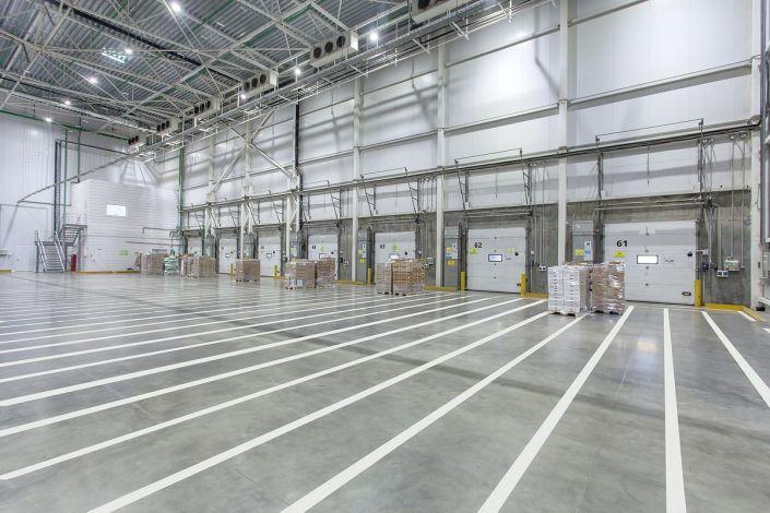 Промышленное фото складских помещений