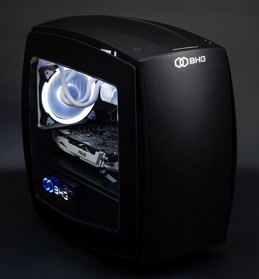 черный корпус игрового компьютера