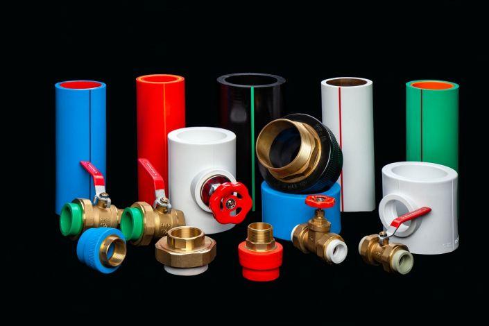 пластиковые сантехнические изделия из пластика и метала